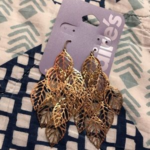 Claire's Gold Leafs Earrings